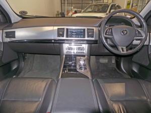 Jaguar XF 2.2D Premium Luxury - Image 7