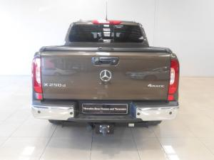 Mercedes-Benz X250d 4X4 Power automatic - Image 2