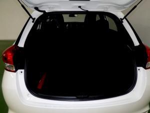 Toyota Yaris 1.5 Xi 5-Door - Image 7