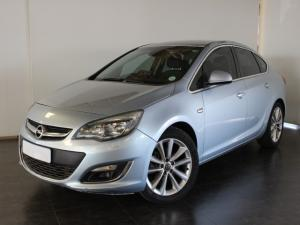 Opel Astra sedan 1.6 Turbo Cosmo - Image 1
