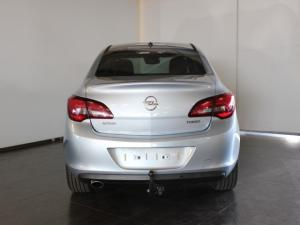 Opel Astra sedan 1.6 Turbo Cosmo - Image 4