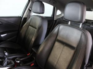 Opel Astra sedan 1.6 Turbo Cosmo - Image 6