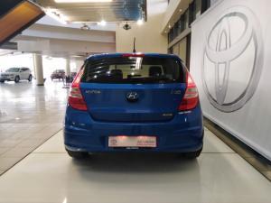 Hyundai i30 2.0 GLS - Image 4