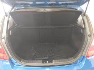 Hyundai i30 2.0 GLS - Image 5