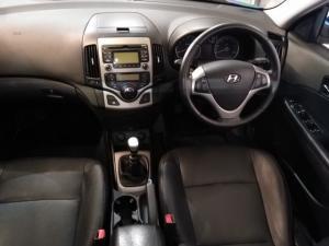 Hyundai i30 2.0 GLS - Image 6