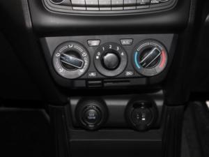 Suzuki Swift 1.2 GL AMT - Image 17
