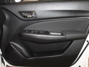 Suzuki Swift 1.2 GL AMT - Image 22