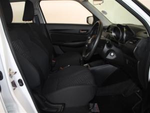 Suzuki Swift 1.2 GL AMT - Image 24