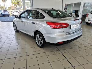 Ford Focus 1.0 Ecoboost Ambiente automatic - Image 6
