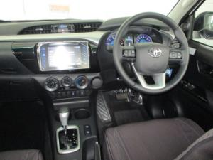 Toyota Hilux 2.8 GD-6 RB Raider automaticE/CAB - Image 9