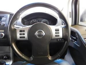 Nissan Navara 2.5dCi double cab 4x4 LE - Image 7