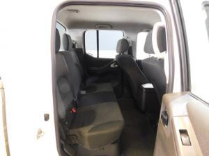 Nissan Navara 2.5dCi double cab 4x4 LE - Image 8