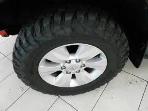 Toyota Hilux 4.0 V6 Raider 4X4 automaticD/C - Image 3
