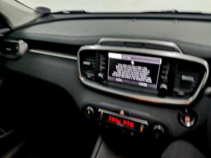 Kia Sorento 2.2D LX AWD automatic - Image 11
