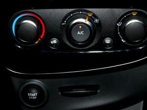 Renault Clio IV 900T Authentique 5-Door - Image 24