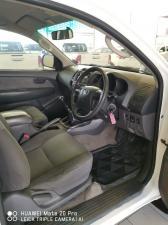 Toyota Hilux 2.5D-4D 4x4 SRX - Image 11