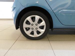 Hyundai i10 1.1 GLS - Image 10