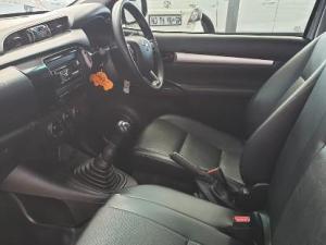 Toyota Hilux 2.4 GDS/C - Image 6