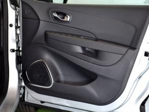 Renault Captur 900T Dynamique 5-Door - Image 30