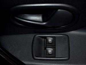 Renault Sandero 900 T Expression - Image 23