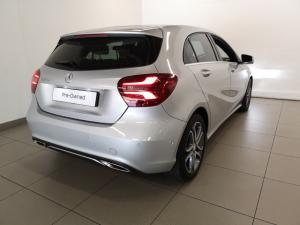 Mercedes-Benz A 220d Urban automatic - Image 3