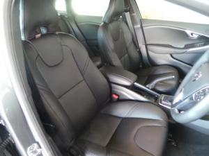 Volvo V40 T3 Momentum auto - Image 4