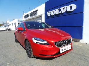Volvo V40 T3 Inscription auto - Image 1
