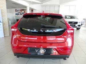 Volvo V40 T3 Inscription auto - Image 9
