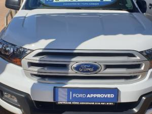 Ford Everest 2.2 TdciXLS 4X4 - Image 2