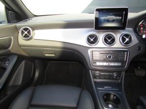 Mercedes-Benz CLA200d Urban automatic - Image 11