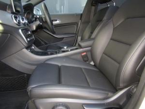 Mercedes-Benz CLA200d Urban automatic - Image 15
