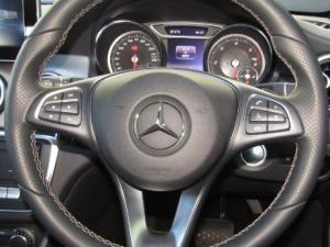 Mercedes-Benz CLA200d Urban automatic - Image 3