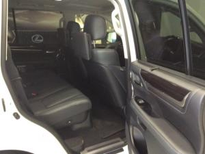 Lexus LX 4.5TD V8 - Image 8