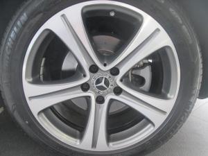 Mercedes-Benz E 300 Coupe - Image 10