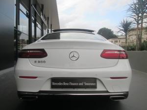 Mercedes-Benz E 300 Coupe - Image 11