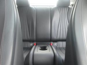 Mercedes-Benz E 300 Coupe - Image 4
