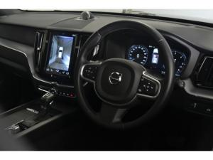 Volvo XC60 D5 AWD Momentum - Image 9