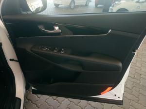 Kia Sorento 2.2D EX AWD automatic - Image 8