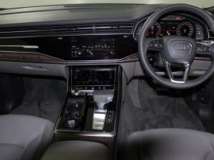 Audi Q8 55TFSI Quattro TIP - Image 8