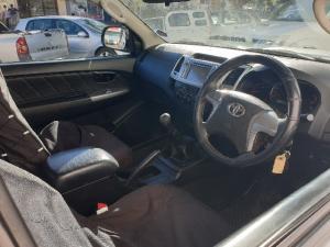 Toyota Hilux 3.0D-4D Xtra cab 4x4 Raider Legend 45 - Image 8
