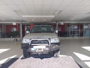 Toyota Land Cruiser 100 GX 4.5P - Image 2