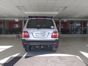 Toyota Land Cruiser 100 GX 4.5P - Image 3