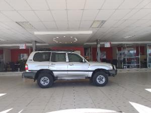 Toyota Land Cruiser 100 GX 4.5P - Image 4