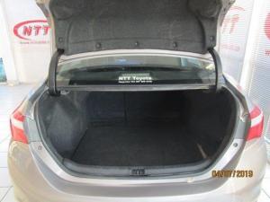Toyota Corolla 1.3 Prestige - Image 11