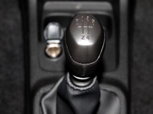 Renault Kwid 1.0 Dynamique 5-Door - Image 23