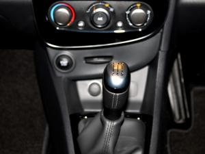 Renault Clio IV 900 T Dynamique 5-Door - Image 26