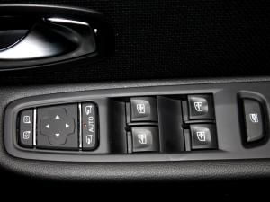 Renault Clio IV 900 T Dynamique 5-Door - Image 28