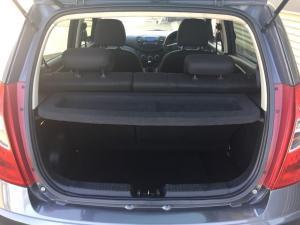 Hyundai i10 1.25 GLS/FLUID - Image 8