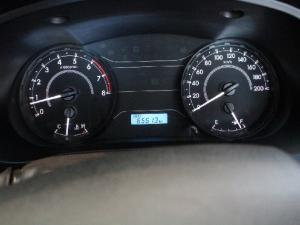 Toyota Hilux 2.0 (aircon) - Image 10