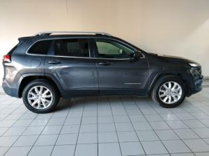 Jeep Cherokee 3.2L 4x4 Limited - Image 2